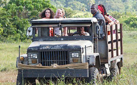 Aparri arrives on Survivor 2014