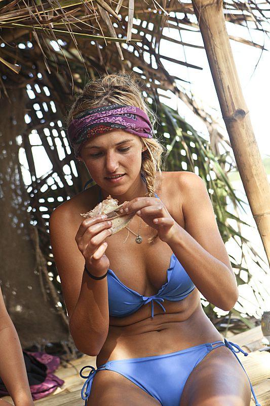 Survivor 2014 Cagayan Episode 3 Pictures Jefra Bland eats ...