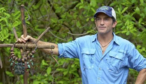 Jeff Probst hosts Survivor 2014's Immunity Challenge