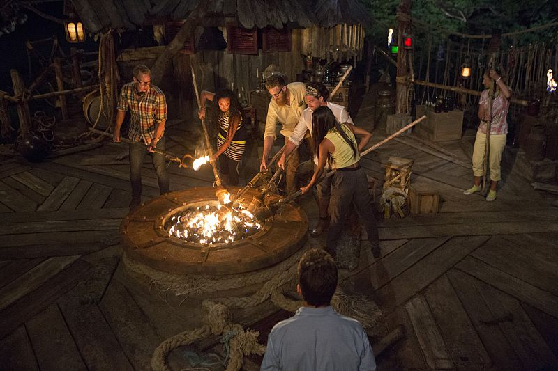 Tribal Council #2: Semangat Tribe (Brawn) Survivor-2015-epi01-pics-11