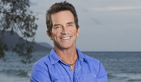 Jeff Probst hosts Survivor 2016 premiere